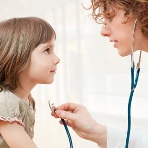 Как не допустить развитие пневмонии у детей и взрослых.